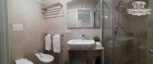 il bagno della Guest House Via Marina